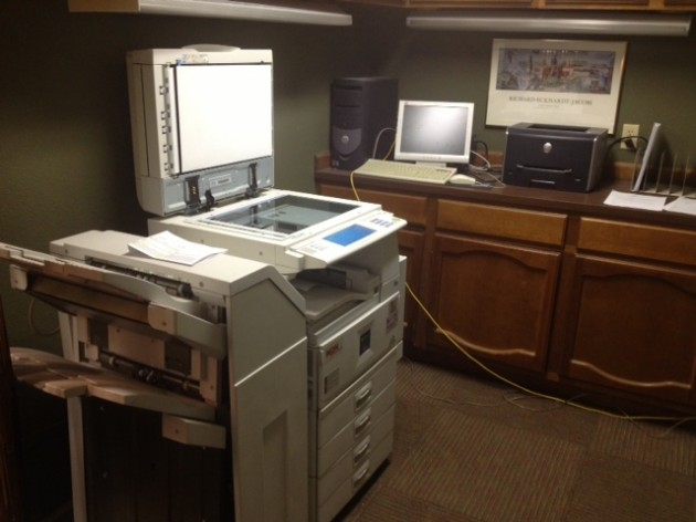 Manti Te'o's Girlfriend Lennay Kekua Using the Copier