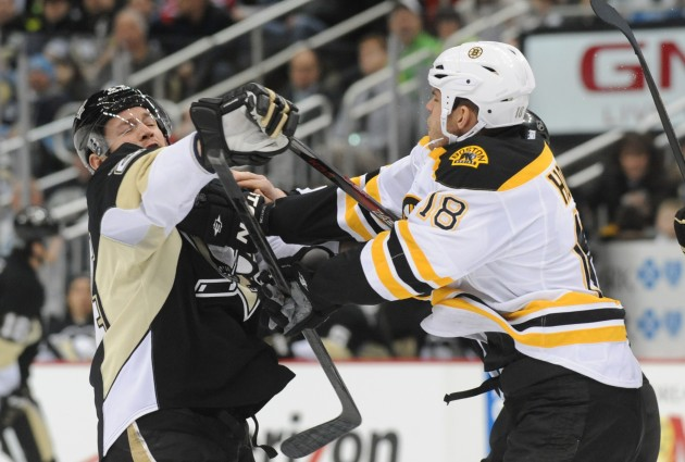 Boston Bruins vs Pittsburgh Penguins - Vincent Pugliese/ Getty Images
